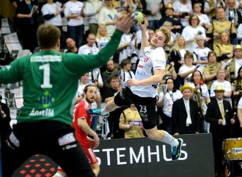 GULLGUTT: Magnus Fredriksen sikret seg karrierens første seriegull onsdag kveld. Får han det som han vil, blir dette gullet det første av mange.
