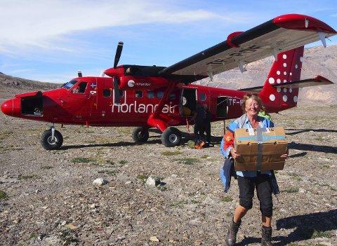 KLAR FOR DET UKJENTE: Ingunn og Pål Rasting fra Nøtterøy reiste til Grønland og fikk en sommerferieopplevelse av de sjeldne. Et lite fly brakte følget ut i ødemarken.