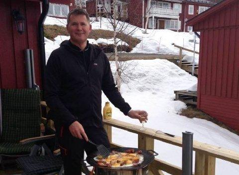 Richard Erlandsen har i år byttet ut hytta i Hemavan med campingvogn på Nesna på grunn av Korona. Foto: Privat