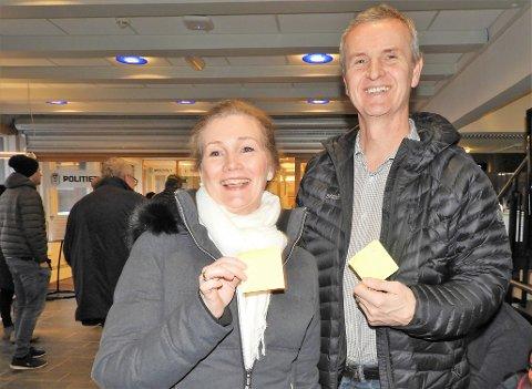 FIKK PLASS: Astrid Hovden og Tore Reppesgård fikk utdelt nummer 26 og 22 i passkøen tirsdag morgen.