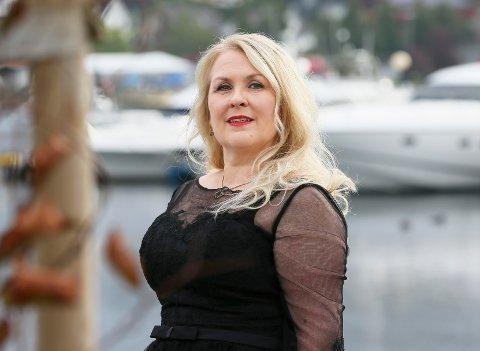Marit Kristine Risnes er klar for konsert.