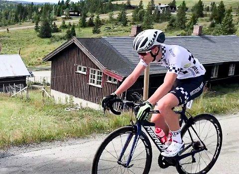 GLEDER SEG: Martin Lund Sjøen (17) gleder seg til NM i gateritt i Askim sentrum i slutten av juni.