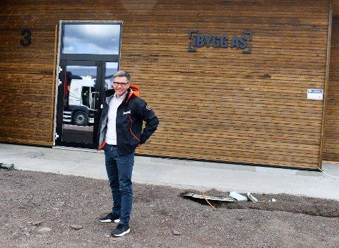 NY PÅ LAGET: Fredrik Høienholm er ny daglig leder av iBygg AS. Entreprenørfirmaet har også nylig flyttet inn i splitter nye lokaler på Barkåker.