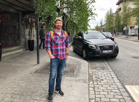 Gjøre en forskjell: Petter «Uteligger» Nyquist var på Fauske for å gi ansatte innen rus og psykiatri og innenfor nav, innsikt i hans erfaringer fra og ha jobbet tett med rusavhengige gjennom flere år, i det som har blitt til flere tv-prosjekter.