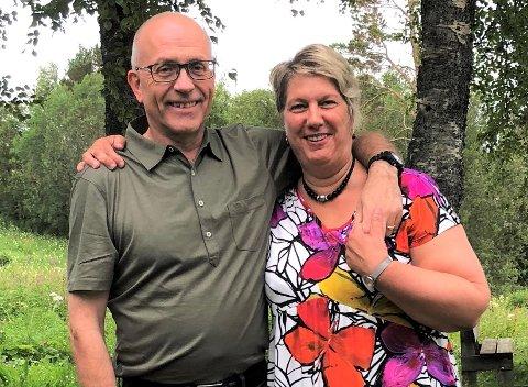 USIKKER: Tommy Edvardsen og kona Lisa Grimstad er eiere og vertska på Nordnes Camp & Bygdesenter på Røkland i Saltdal kommune