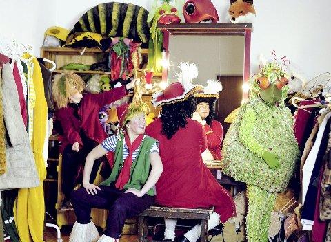 BARNEFORESTILLING: Égal Teater tar barna med på en reise gjennom barnelitteraturen.