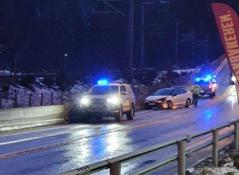 ULYKKE: Tre biler har kollidert på E39 nær Moi.