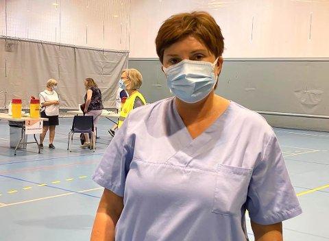 TA KONTAKT: Ikkje fått vaksine? Då ber Trude Erdal, vaksinekoordinator, deg om å ringe eller sende epost til kommunen.
