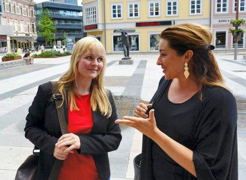 Aps Mona Vauger i Hvaler (til venstre) og Siri Martinsen i Fredrikstad inngikk avtalen som Hvaler-ordfører Eivind Borge kritiserte.