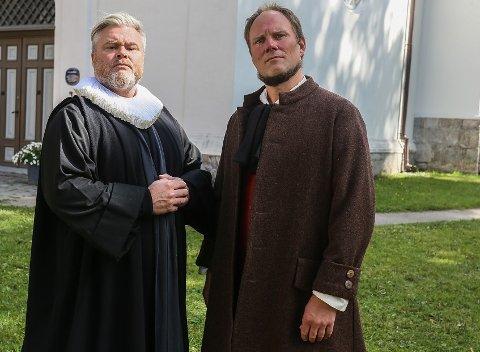 Rein Alexander (til vesntre) og Erik Wenberg Jacobsen synes det er utrolig spennende å spille i musikalen om Hans Nielsen Hauge.