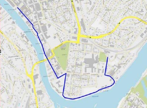 Dette er konsulentenes anbefalte rute for en selvkjørende buss mellom stasjonene i Fredrikstad: Gjennom Storgata og videre bortover, gjennom Phønix gate, J. N. Jacobsens gate og deretter bortover Strandpromenaden.