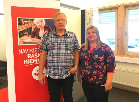 Digtale: NAV-leder Jan Atle Thorvaldsen og integreringskonsulent Line Moen Sandberg erfarer at mange vil bruke NAVs digitale tjenester.