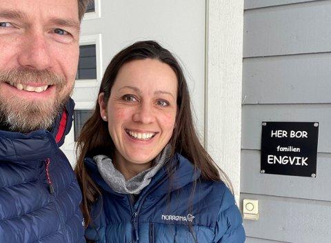 IKKE IMPONERT: Kim og Gøril Engvik fra Lørenskog er ikke veldig begeistret over at de kommunale avgiftene i kommunen har hatt en voldsom økning de siste fem årene.