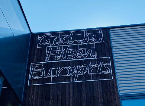 GOD JUL: Europris Kongsvinger ønsker oss «God jul» året rundt.