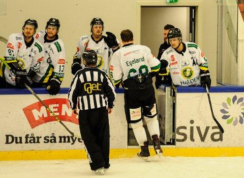 Einar Egeland går i dusjen etter slåsskampen på Kongsvinger.