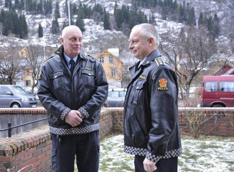Utfordring: Etterforskningsleiar Per Helge Sekse (t.v) og lensmann Terje Kvalvik peiker på rekruttering av unge i rusmiljøet som ei utfordring.