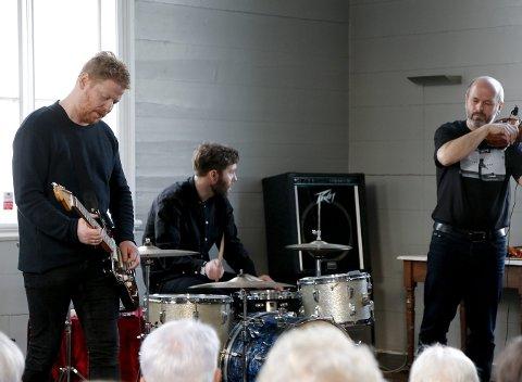 LUMEN DRONES: Har konsert i Bedehuset på Bakarøya lørdag.
