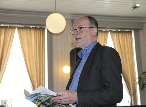 Initiativ: Ståle Reinåmo er dedikert til arbeidet med å få et nytt bygg for videregående skole i Vefsn. Han håper dette skal gi Vefsn et forsprang på Narvik om ny skole.