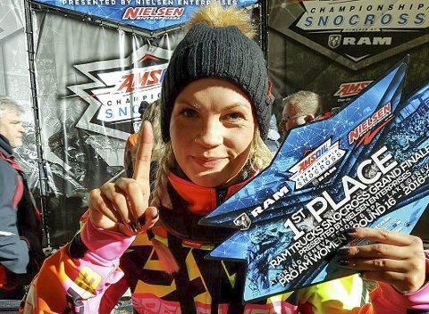 NUMMER 1: Malene Trosten Andersen fikk alt til å stemme i finalehelgen i Amsoil Championship. Hun kjørte inn til to førsteplasser og sikret seg også 2.-plassen sammenlagt i Pro AM Women-klassen.  Foto: Terje Andersen