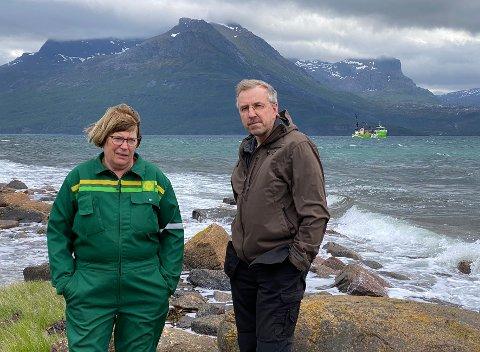 Overrasket: Jorunn og Tore Mehus ble veldig overrasket da de for få dager siden oppdaget at arbeidet med å etablere den nye oppdrettslokaliteten Ørnhaugneset allerede var i gang.