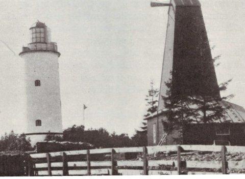 Fyrtårn og bygg for tåkesignal, ca 1900.