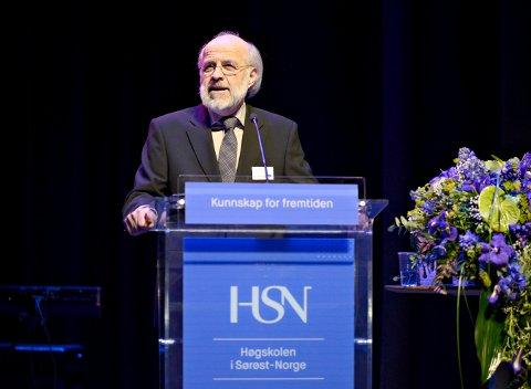 Rektor Petter Aasen har sendt søknad om å gjøre om høyskolen til universitet.
