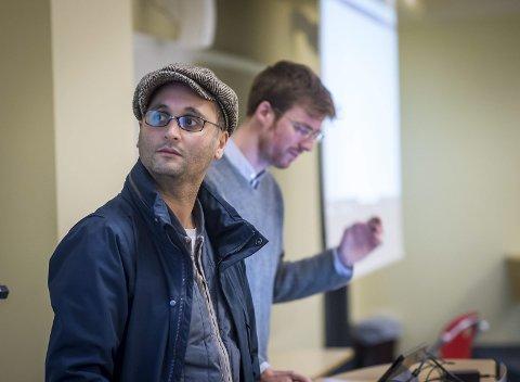 Utviklere: Ali Elmasoudi og Eivind Stordal driver Studix AS og har utviklet læringsverktøyet. Nå ønsker de å hjelpe elever og studenter i Lofoten med realfag. Foto: RUNE FOLKEDAL