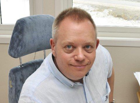 Egil Wiik er ny styreleder i Lofoten Boligbyggelag, som har 999 medlemmer. Han er på ferie i utlandet og har ikke vært tilgjengelig for kommentarer om eventuelle fusjonsplaner for LBBL.