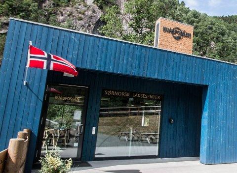 MÅ SKILTES: Lyngdal kommune krever at laksesentert må skiltes som turistattraksjon.