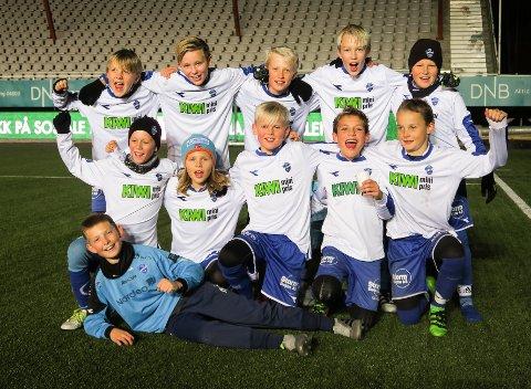 8.PLASS: Disse guttene fikk en flott 8. plass i en avdeling på 49 lag.