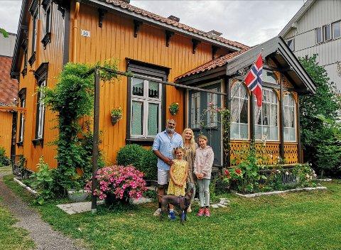 Anne-Karin Sandli (45), Elyas Mohammed (51) og Netti (15), Lotte (12) og Serena Sandli-Wiken (7).