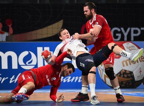 Sander Sagosen får juling på vei mot seier i håndball-VM mot Sveits.