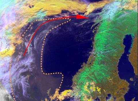 SANDSKY: Her er sandskyene på vei inn mot Norge. Kartgrafikk: Yr.no