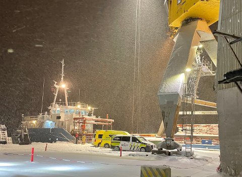 UTFORDRENDE FORHOLD: De store snømengdene gjorde bergingsarbeidet vanskeligere.
