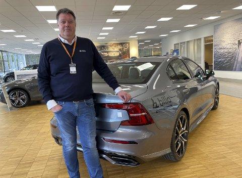 TO GODE NYHETER: – Vi får fortsette som Volvo-forhandler, og vi selger som aldri før, sier plassjef hos Bilia i Hunndalen, Kurt Magnussen.
