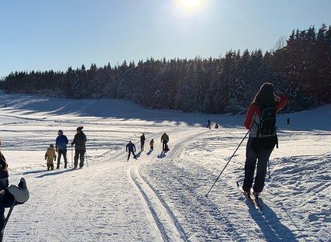 SISTE SOLDAG: Ta med mødre og kjærester ut på tur i dag, i morgen daler snøen ned igjen.