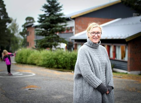 FÅR NYTT SKOLEBYGG: Rektor Lena Hågensen og de andre på Os skole kan forberede seg på at bygningsarbeidet på Os skole starter i løpet av året. arkivfoto