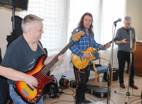 11 medlemmer fra bandet SAPP møtte opp for en fellesøving i Rana. Her ser vi Helmuth Johansen, Jimmy Iversen og Bjørn Kleftås.