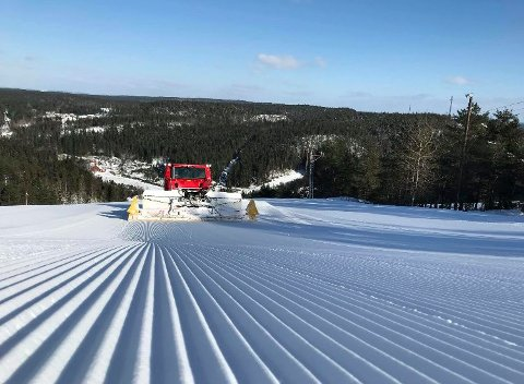 EVENTYRLIG: Det er eventyrlige forhold for alpinsport i Kjerringåsen for tiden.