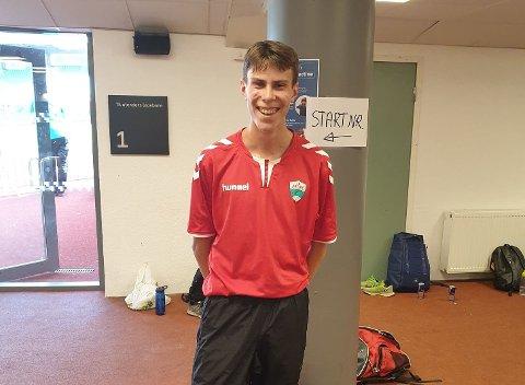 REKORDSMIL: August Da Silva Sveen (16) kunne stolt  dra fram storsmilet etter å ha sett ny krinsrekord på 5000 meter på Bislett måndag.