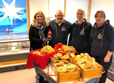 Butikkåpning: Prosjektleder Mona Elisabeth Myhre Pedersen og flere av de ansatte hos Huset i Svingen gledet seg stort over å åpne deres storslåtte matsvinn-satsing på Fauske.