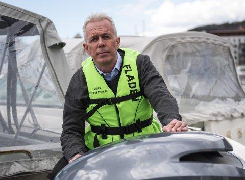 Arne Voll, kommunikasjonssjef i Gjensidige, ber båteiere om å sikre båt og motor med vaier og hengelås, samt merke motoren med Securmark.