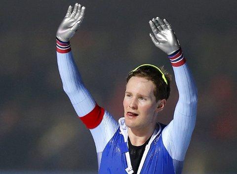 Sverre Lunde Pedersen kunne juble for sesongens første individuelle pallplass i verdenscupen da han tok 2.-plassen på 5000 meter i japanske Tomakomai. (Arkivfoto: AP/NTB scanpix)