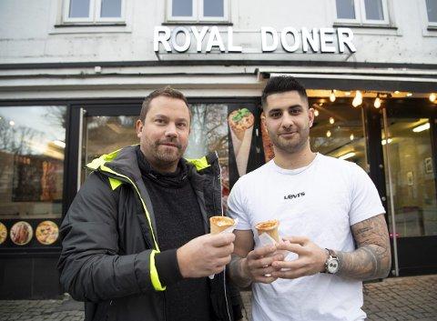 – Pizza cones er noe hele Bergen har manglet, mener kjøkkensjef Dènes Dlusztus (38). Her med daglig leder og eier for Royal Doner, Zana Nawzad (21). FOTO: ARNE RISTESUND