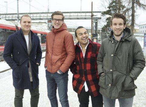 Fra venstre: Haakon Magistad, Eirik Thune, Sebastian Solberg og Stas Milavski er mennene bak Zvipp som kaster seg på en storbytrend- elektriske sparkesykler. De forteller at ideen oppsto under etter et opphold i Los Angeles i USA, der ordningen er blitt stor suksess.