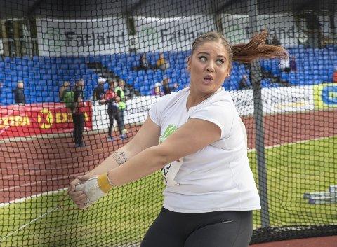 Beatrice Nedberge Llano satte norsk rekord, tross en travel dag med eksamenlesning.
