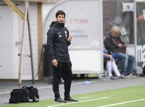 Arna-Bjørnar-trener Remi Natvik mener laget spilte en god kamp, men likevel ble det tap borte mot Avaldsnes.