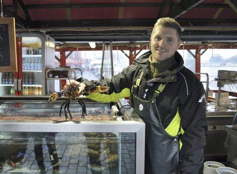 GA OPP:   Sebastian Bernard (32) er mye å se på Fisketorget, men han har drevet to luksusrestauranter i Oslo også. Nå er den ene gått konkurs. FOTO: TOM HJERTHOLM