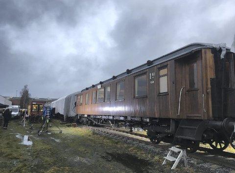 «Flukten over grensen» er en familiefilm fra 2. verdenskrig. Da de filmet denne togscenen, måtte de bruke kreative løsninger for å få det til å se mest mulig realistisk ut. Foto: Julian Vargas