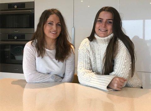 Hanne-Sofie Sunde Almenning og datteren Lena Sunde Almenning mener alle som kan, bør vaksinere seg og barna sine. Lena er hjemme på ferie, men studerer vernepleie i Bergen.